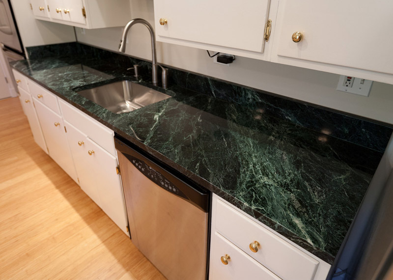 Spider Green Marbke Countertops for Kitchen