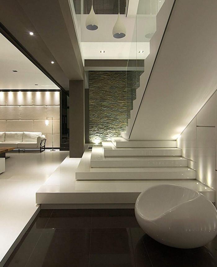 Bianco perla extra marble staircase stoneadd photo for Pareti bianco perla