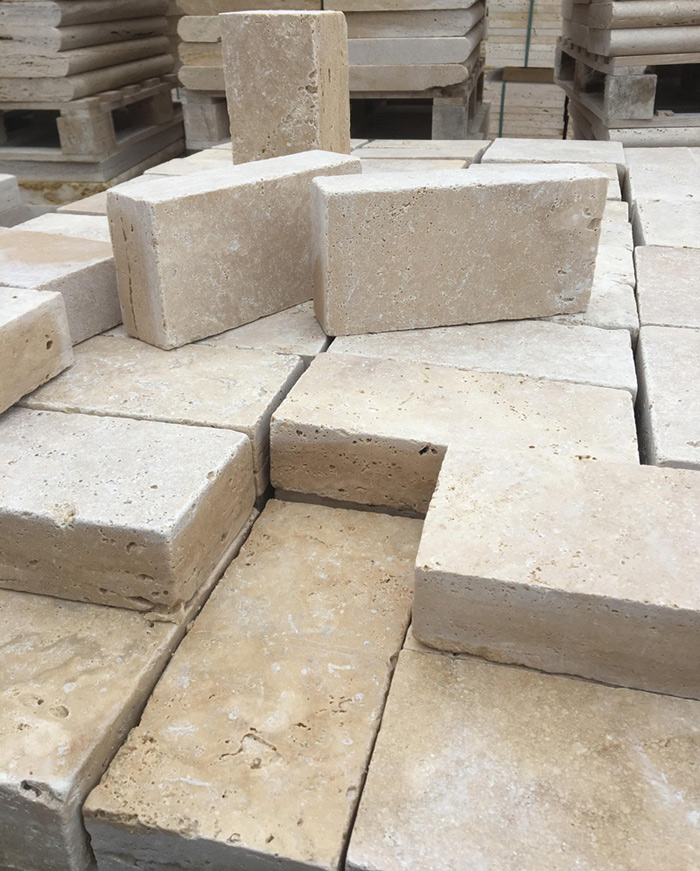 Tumbled Light Beige Travertine Bricks