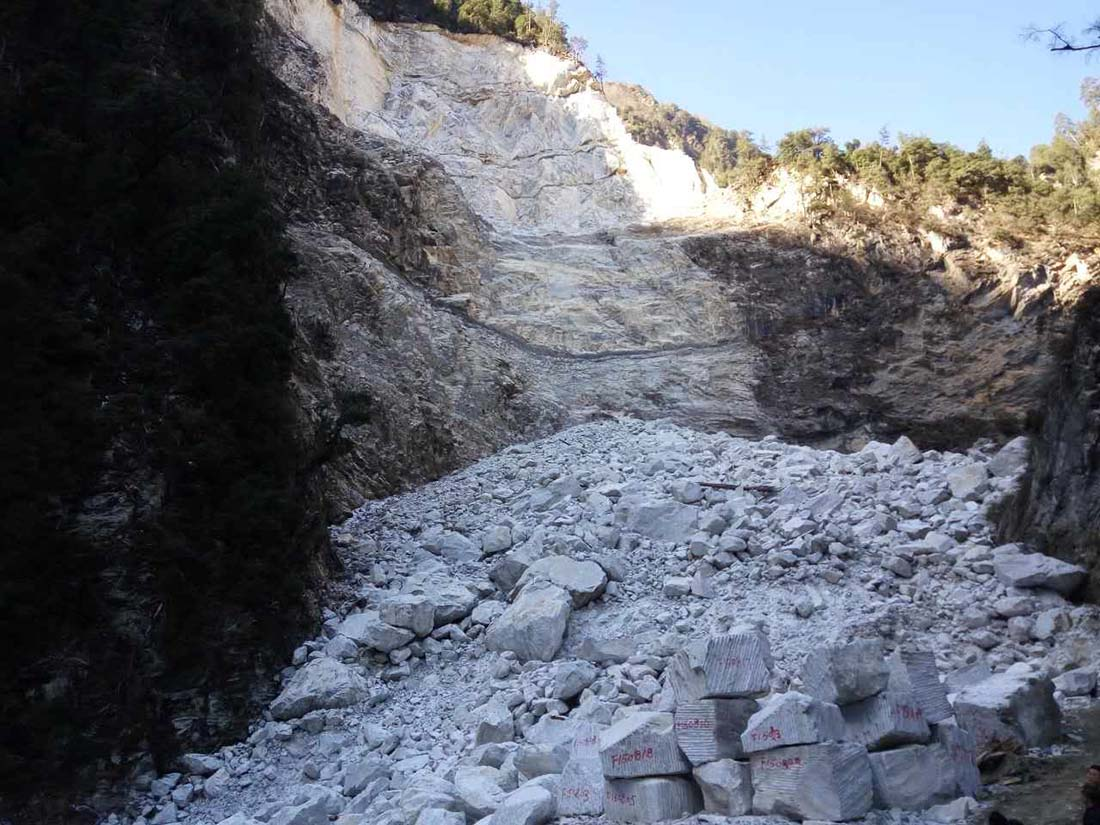 New Carrara (Van Gogh White) Quarry