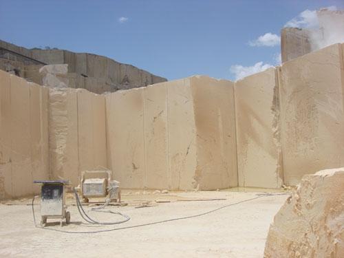 Takab quarry