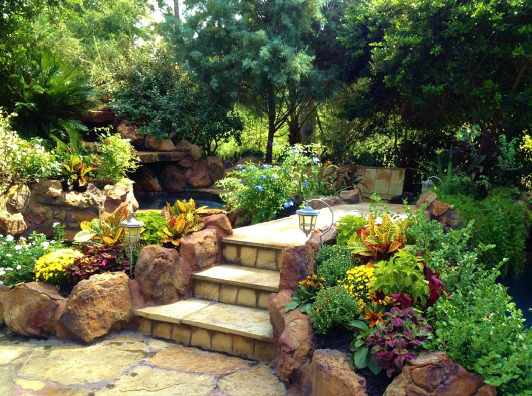 Beige Landscaping Stones