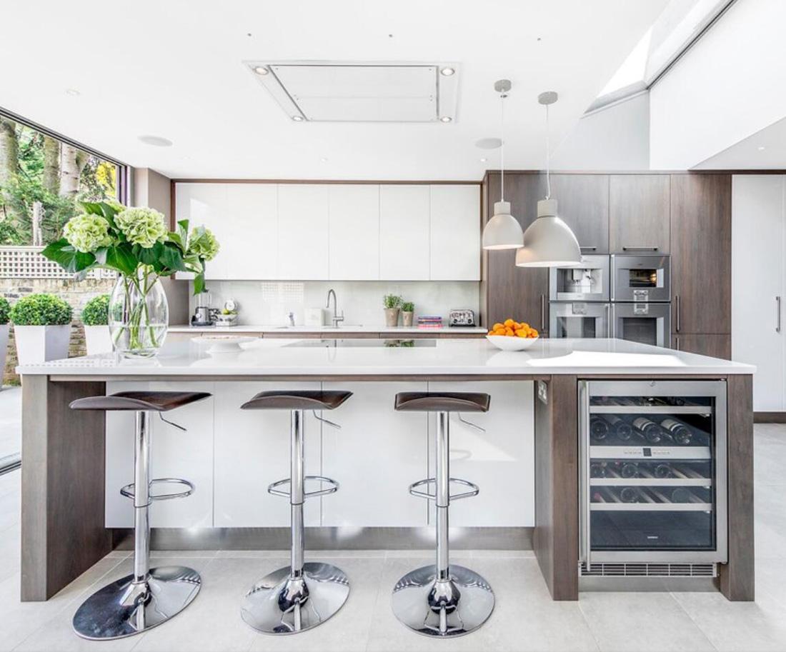 Modern Kitchen White Quartz Countertops - StoneADD Photo