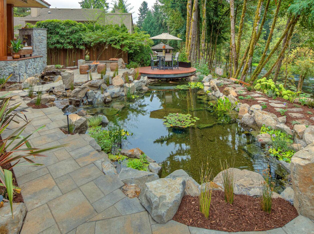 Traditional Landscaping Design with Stones