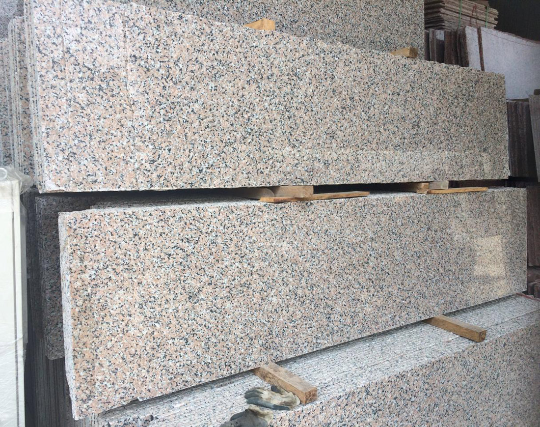 Sanbao Red Granite Slabs