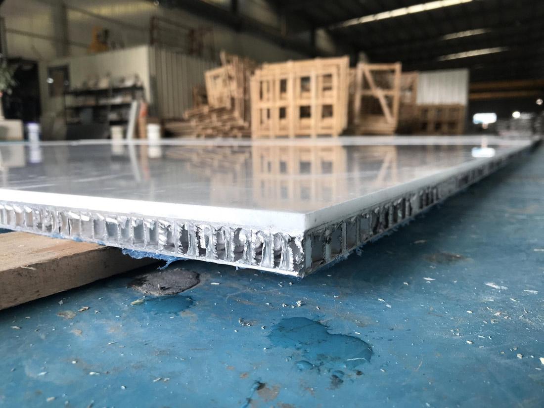 Calakatta White Honeycomb Panels