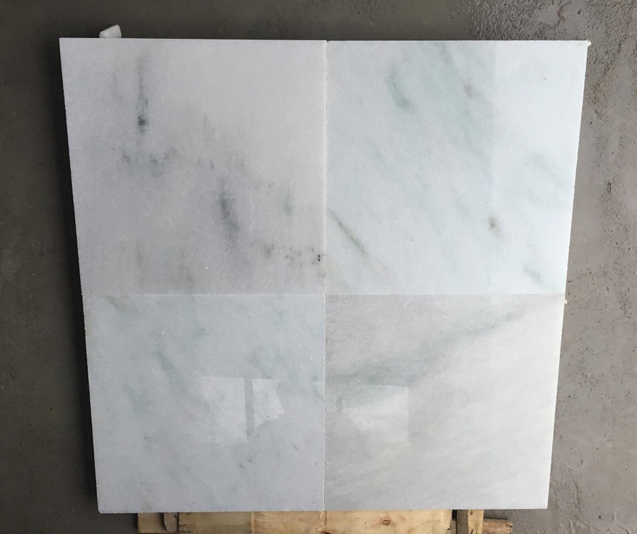Cloudy Vein White Marble Tiles