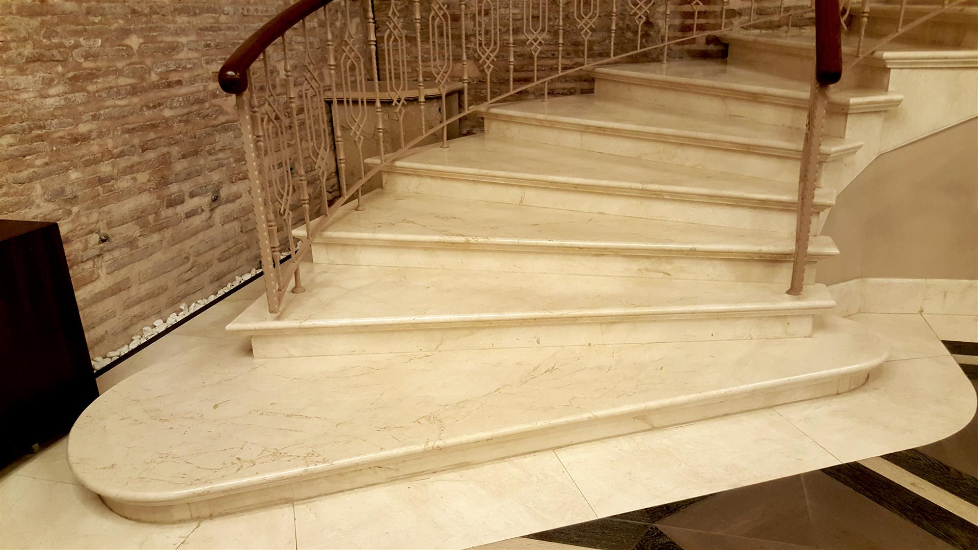 Beige Marble Crema Bella Stairs