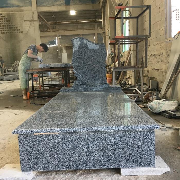 China New G654 Granite Monument