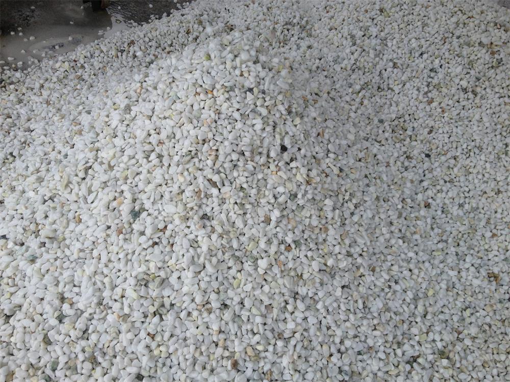 Normal white pebbles for garden