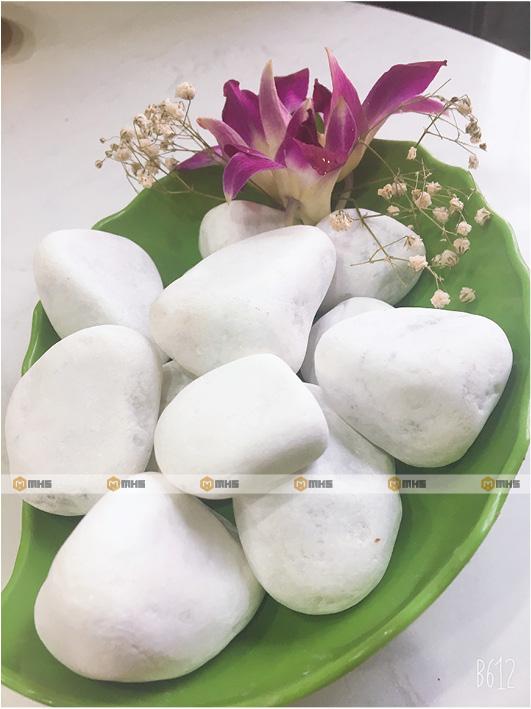 White pebble