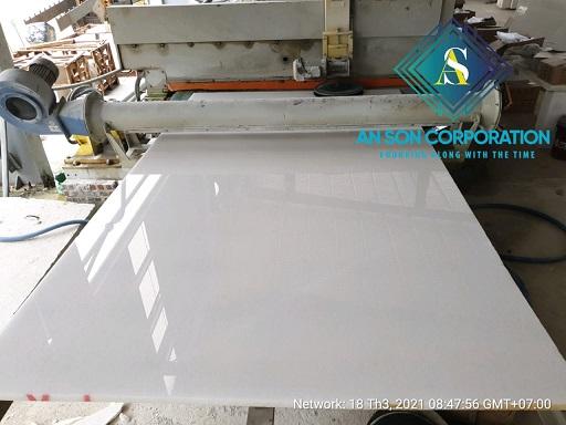 White Marble gangsaw cutting
