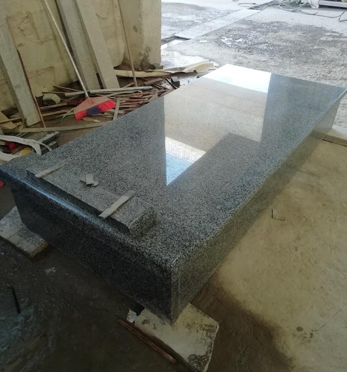 China New G654 Granite Memorials Factory Price