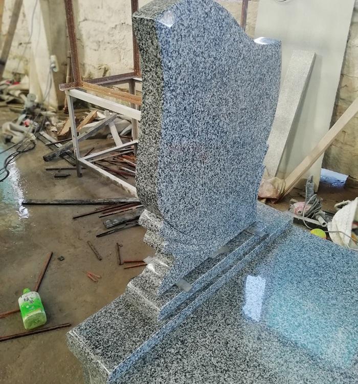 China Black Granite Monuments Factory