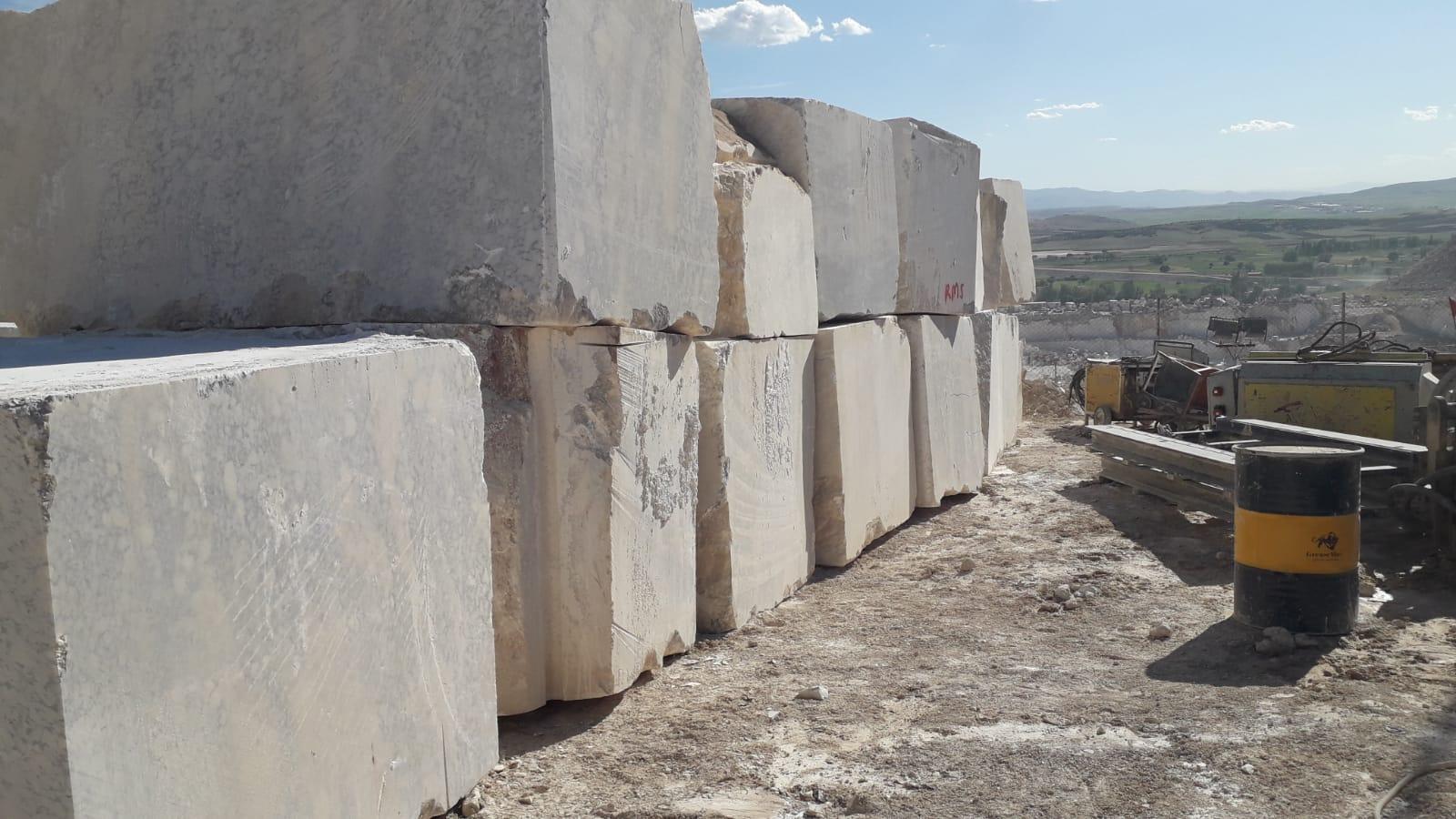 Afyon Quarry Honey Block