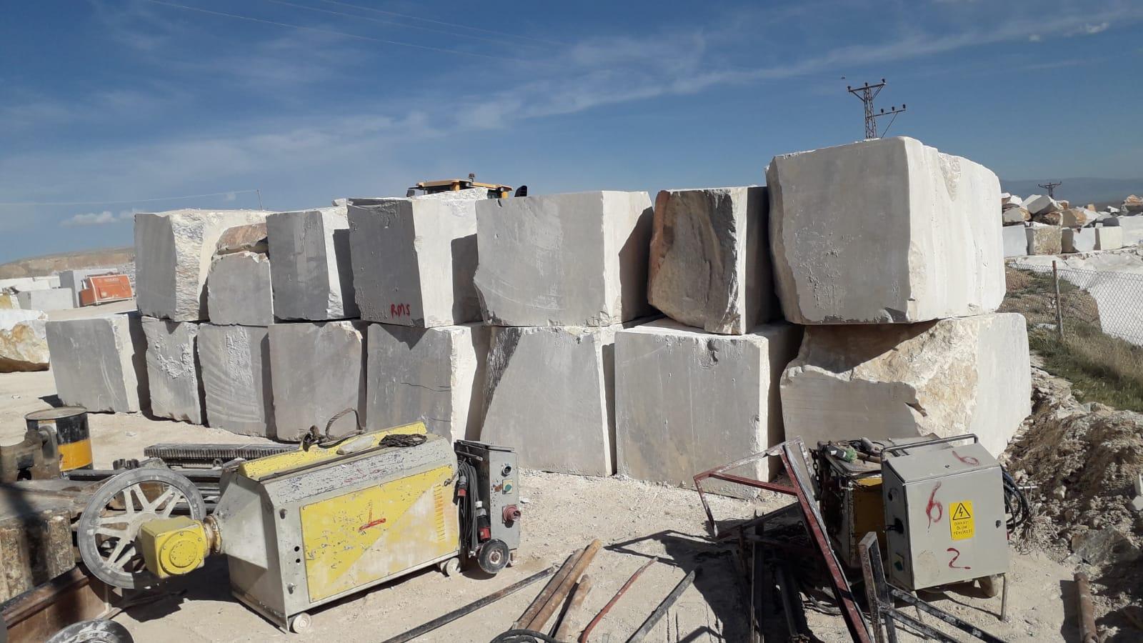 Afyon Quarry Honey Marble Block