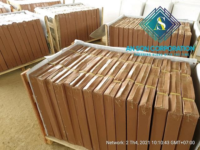 Packing Super White Marble Tiles