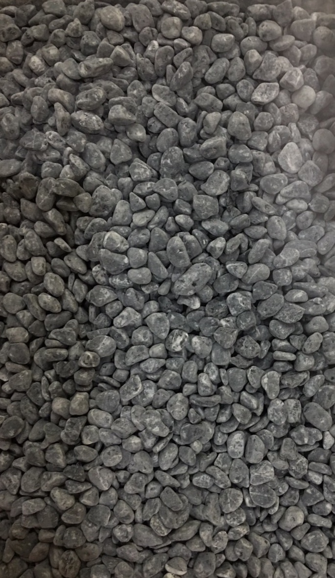 Dried pebble for stone carpet