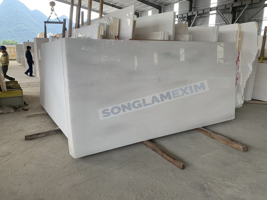 White Crystal Marble Slabs With Veins