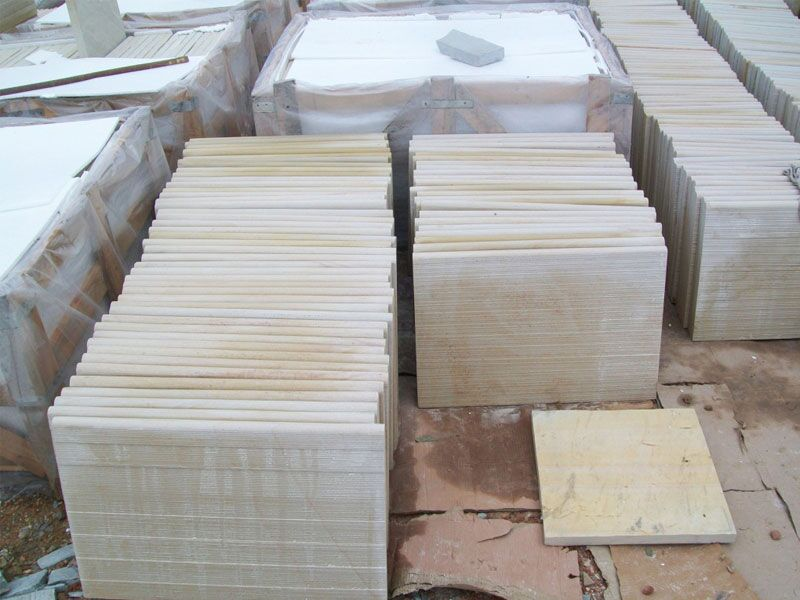 Desrt Sandstone Bullnosed tiles