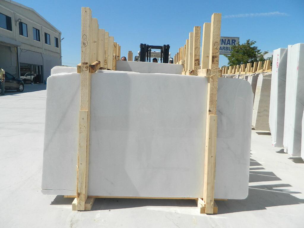 Affordable White Polished Marble Slabs from Turkey
