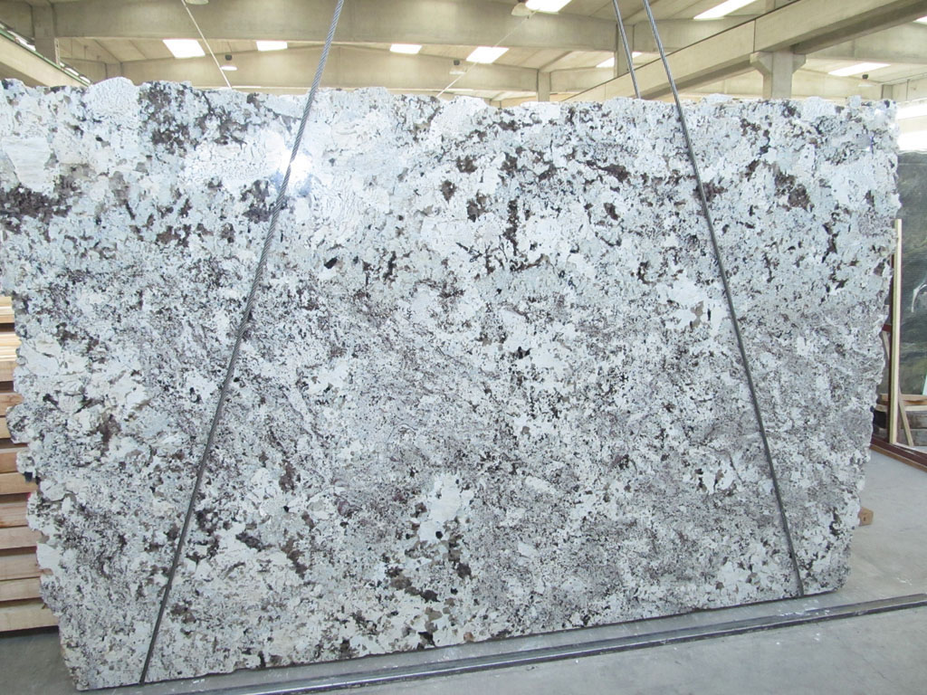 Alaska White Slabs Polished White Indian Granite Slabs