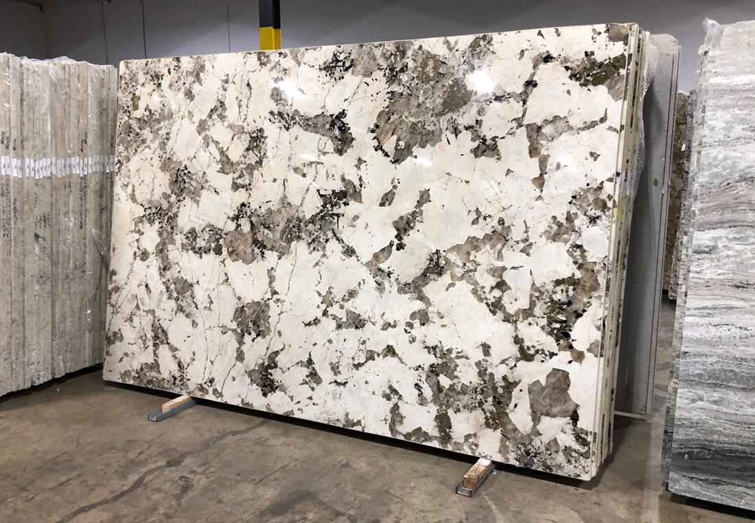 Alpinus White Granite Slabs Top Quality Brazilian White Granite Slabs