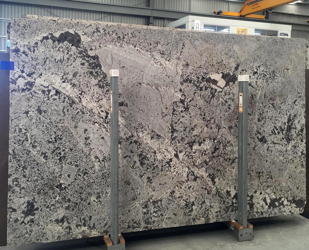 Antique White Granite Slabs Brazilian