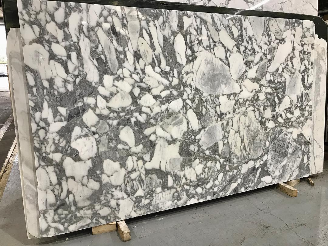 Arabescato Corchia Honed Polished White Marble Slabs