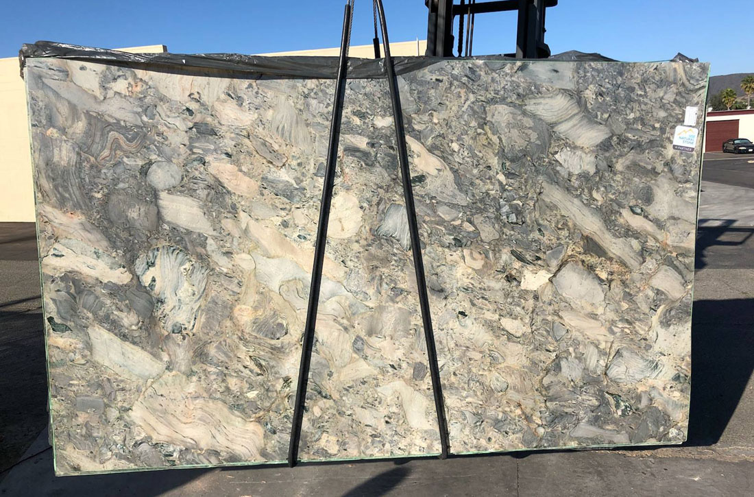 Beautiful Fusion Quartzite Slabs for Countertops