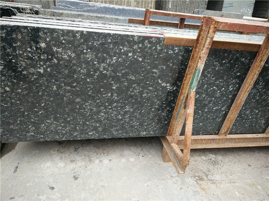Beautiful New Quarry Emerald Pearl Granite Countertops for Kitchen