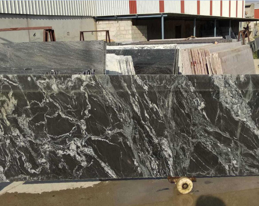 Black Forest Granite Slabs for Countertops