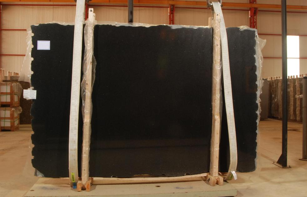 Black Sao Domingos Granite Slabs with Top Quality