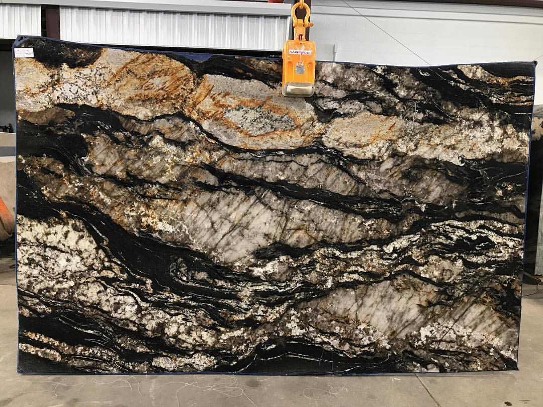 Black Taurus Granite Slabs with High Quality
