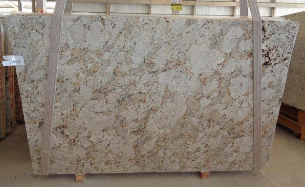 Brazil Beige Granite Slabs Snow Fall Granite Polished Slabs