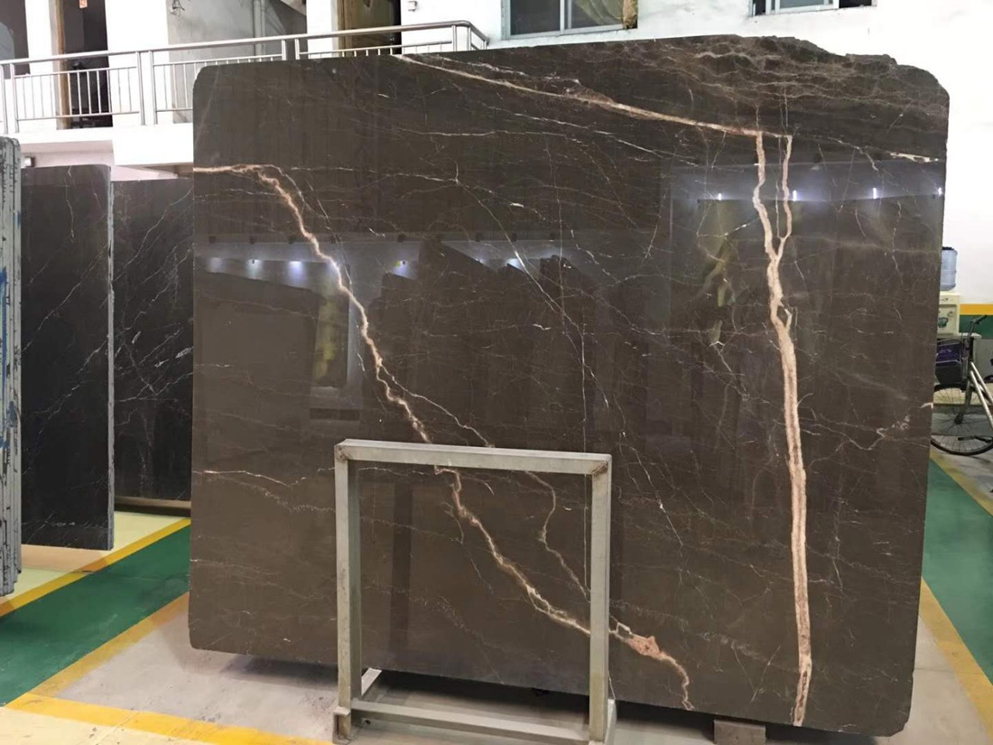 Brown Mousse with White Roots Brown Marble Slabs