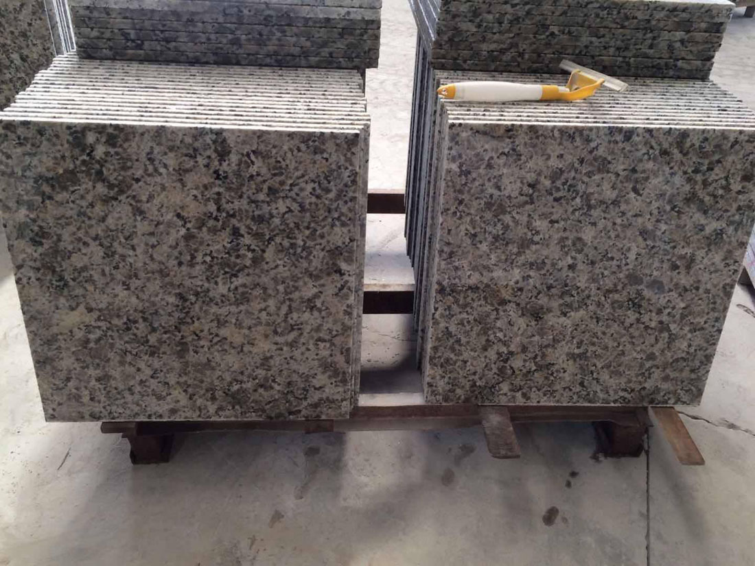 Butterfly Yellow Granite Tiles Flooring Tiles