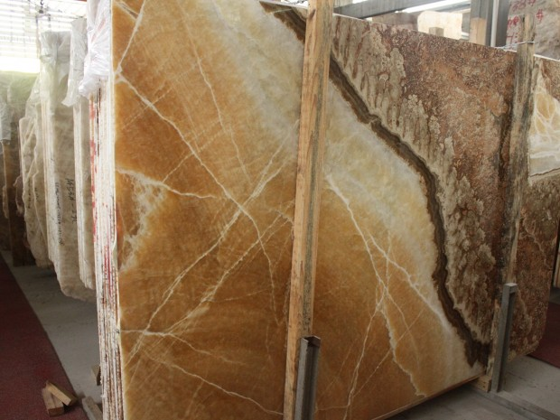 CLASSICAL ONYX Onyx in Slabs Tiles