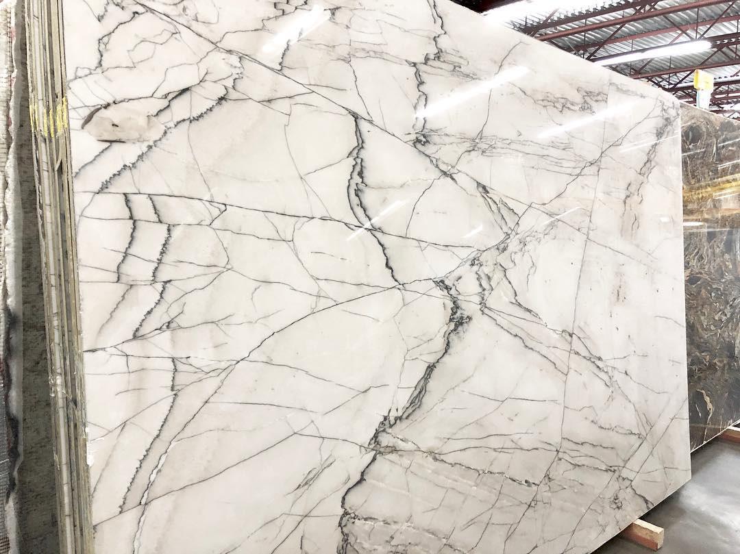 Calacatta Giotto Slabs Polished White Quartzite Slabs