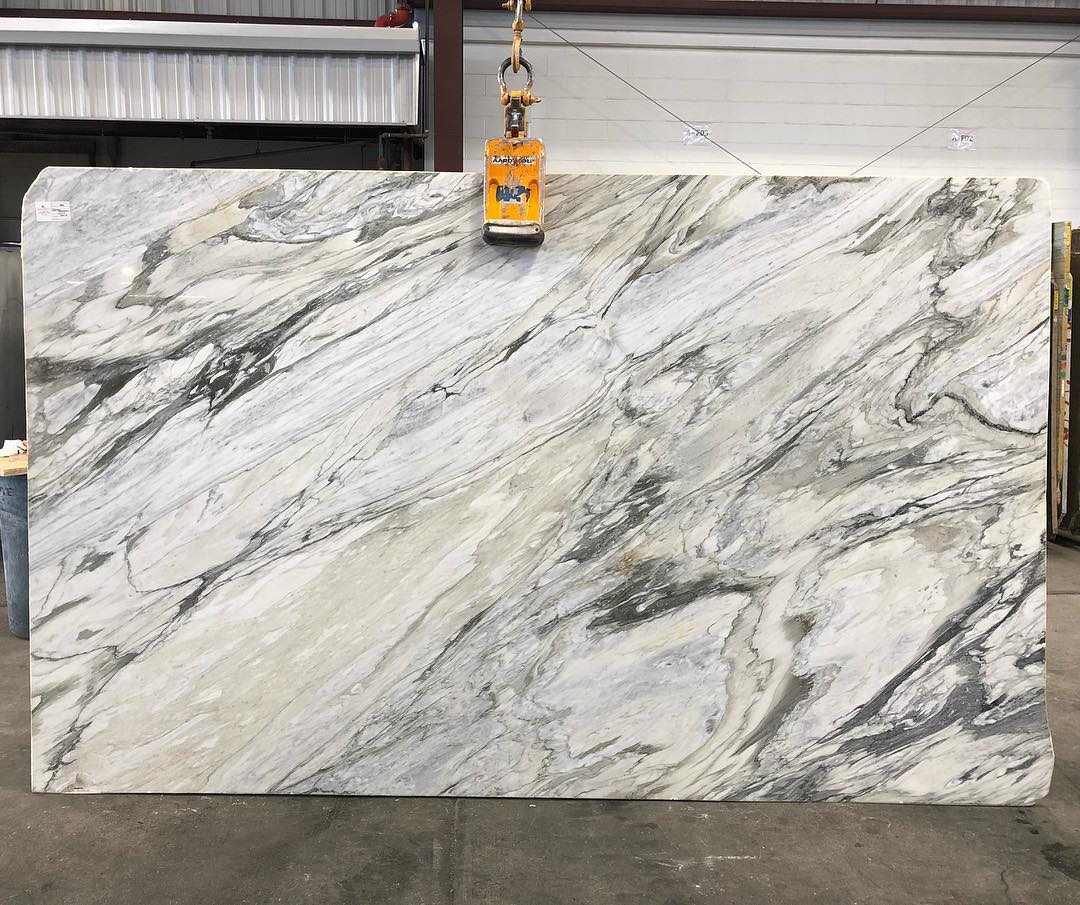 Calacatta Manhattan Marble Polished White Slabs from Italy