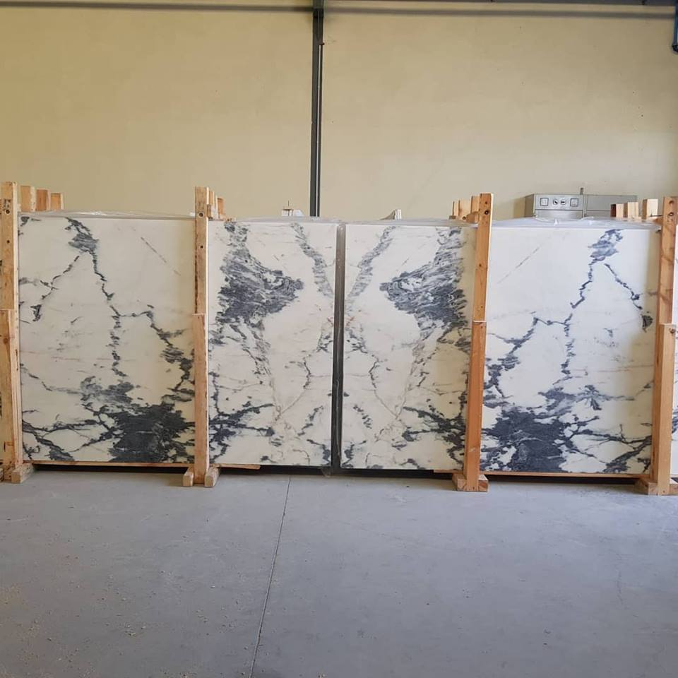 Calacatta Nero Marble White Polished Marble Slabs