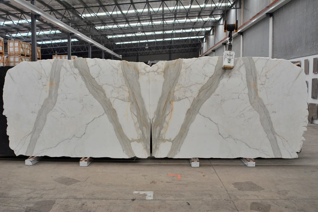 Calacatta Oro Slabs Italian White Polished Marble Slabs