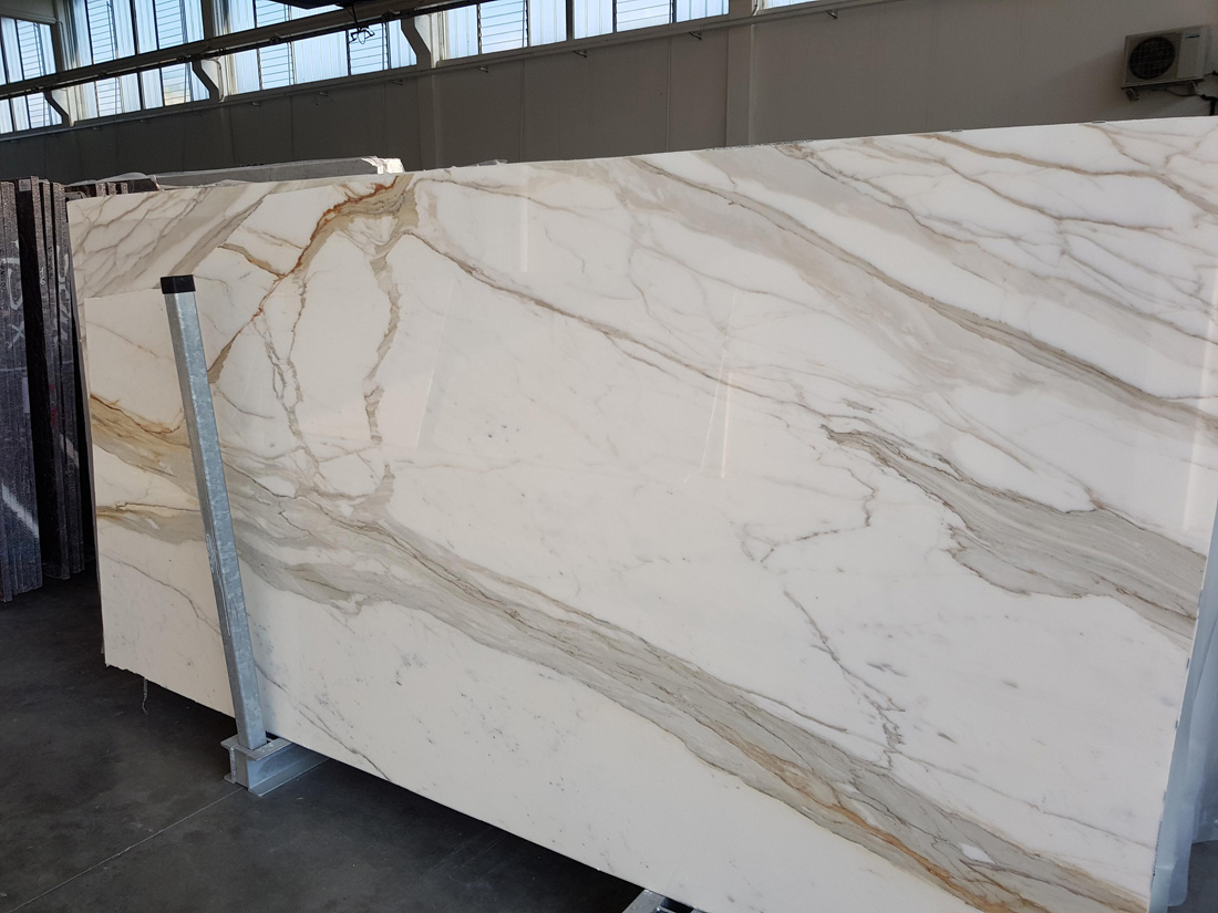 Calacatta Oro White Marble Slabs from Italy