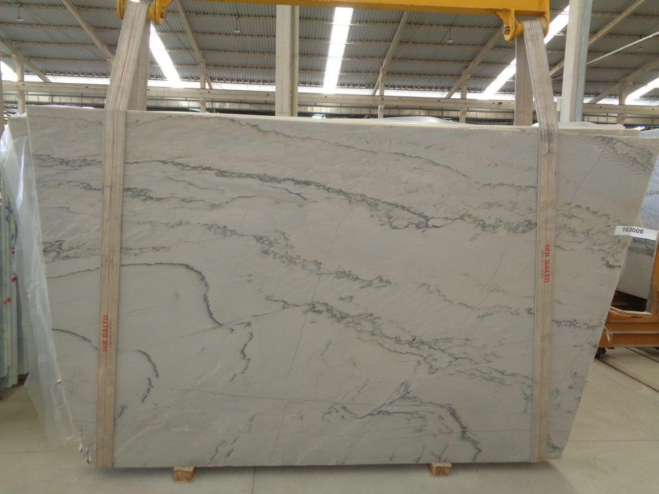 Calacatta Quartzite Slabs White Quartzite Slabs