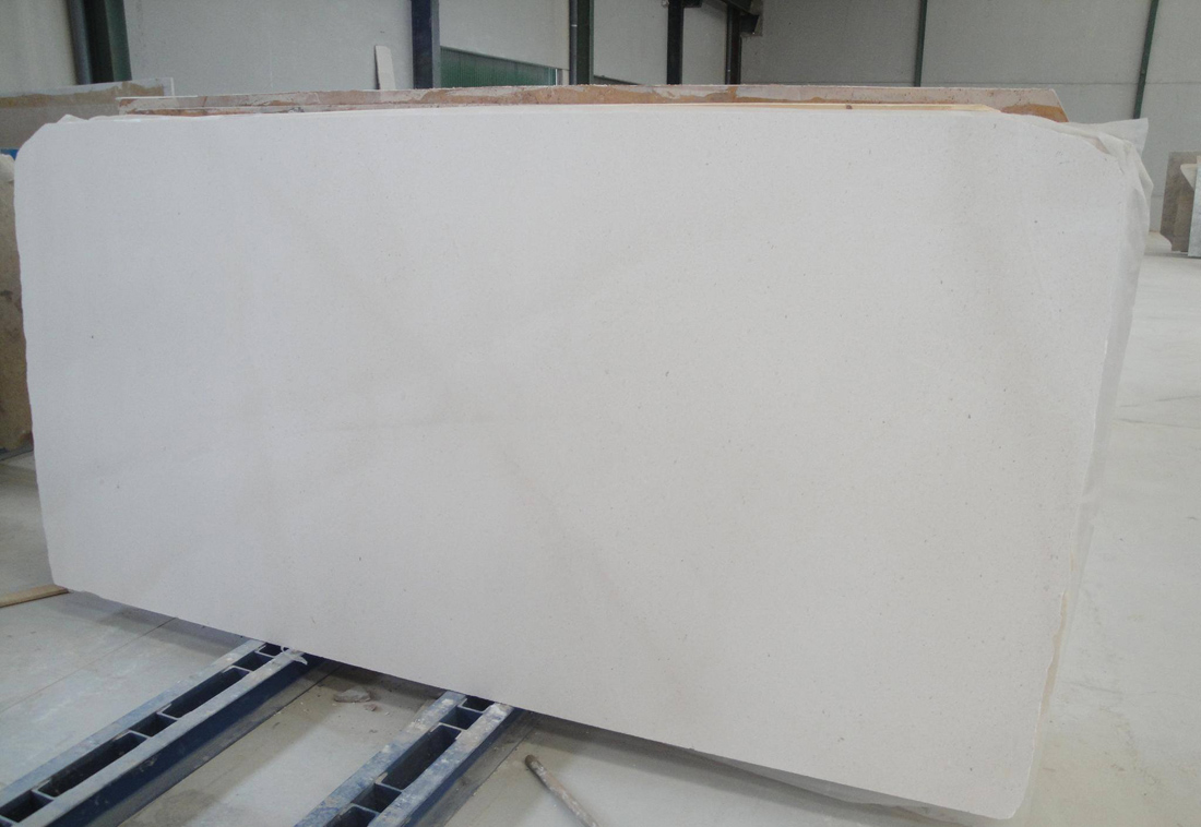 Caliza Capri White Limestone Polished Limestone Slabs