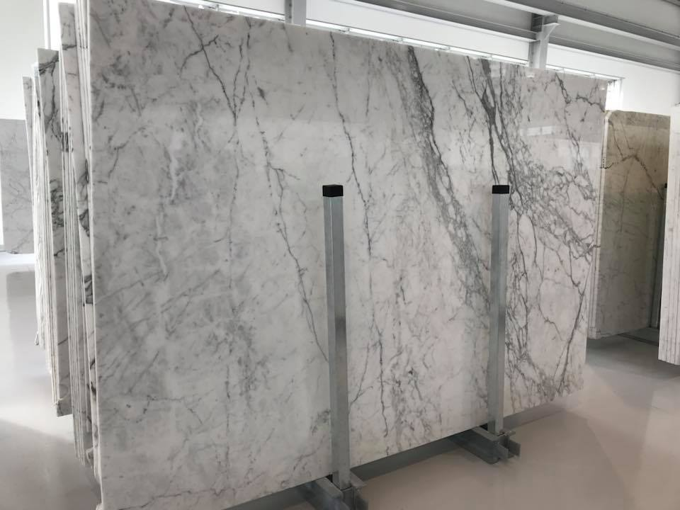 Carrara White Polished Marble Slabs Beautiful White Slabs from Italy