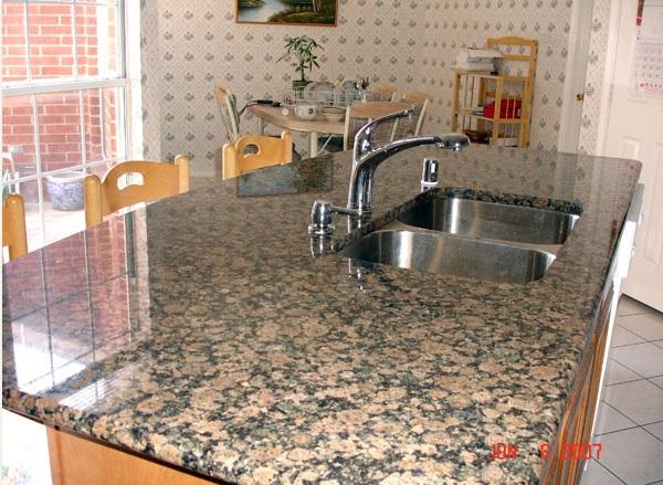 Castanho Verdoso Monola Baltic Brown Granite Kitchen Countertops