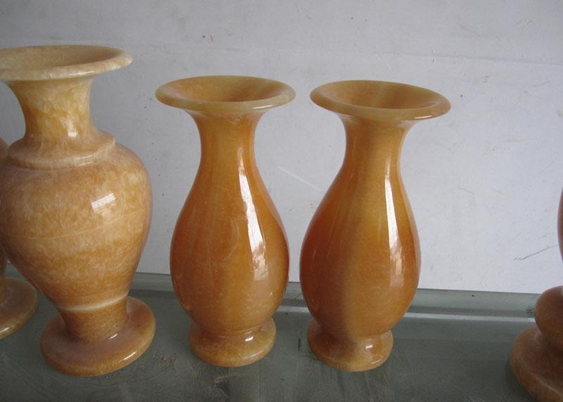 China Honey Yellow Onyx Vase