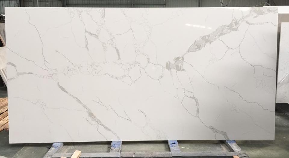 Chinese Calacatta Quartz Stone Slab