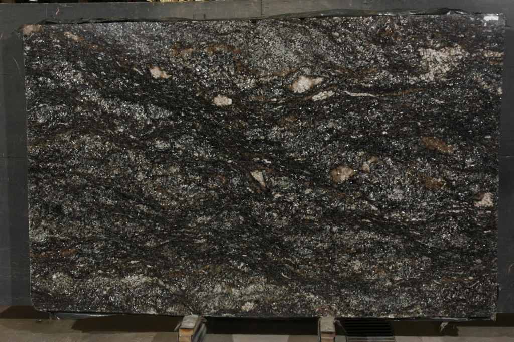Cianitus Black Quartzite Slabs